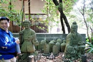 満願寺の石仏
